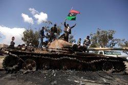 """""""Гуманитарная интервенция"""" Запада в Ливии: авиация Каддафи уничтожена, авиация США и их союзников расчищает путь для отрядов мятежников!!!"""