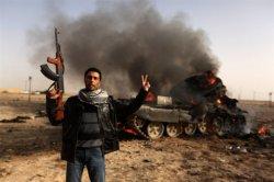 Ливийские мятежники перегрупировали силы и пытаются снова наступать!!!