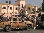 """Над городами Ливии вновь подняты """"зеленые флаги"""" Джамахирии."""