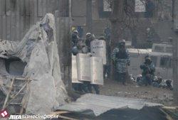 """Власть закрылась железной стеной спецназа, а """"урегуляторы Януковича"""" требуют протестующих сдаться!!!"""