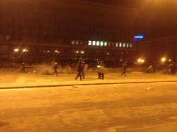 """В Запорожье вечером 26 января 2014 милиция и """"титушки"""" жестоко зачистили Майдан, не смотря на обещания губернатора и генерала Сербы!!!"""
